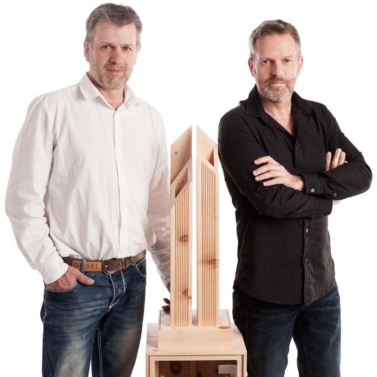 Gerhard & Robert Siller mit dem Kraftwerk